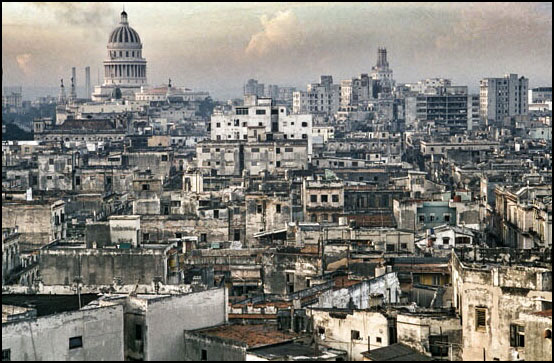 Utsyn over den falleferdige hovedstaden