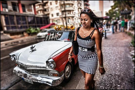 En gammel amerikaner og en ung kubaner