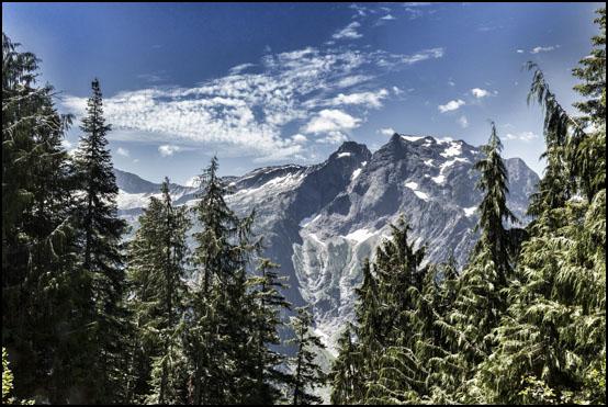 Utsikten over dalen på vei opp mot Mount Dickerman