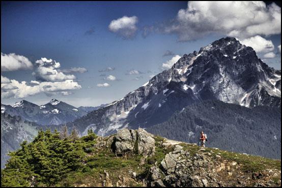 Jenny på toppen av Mount Dickerman