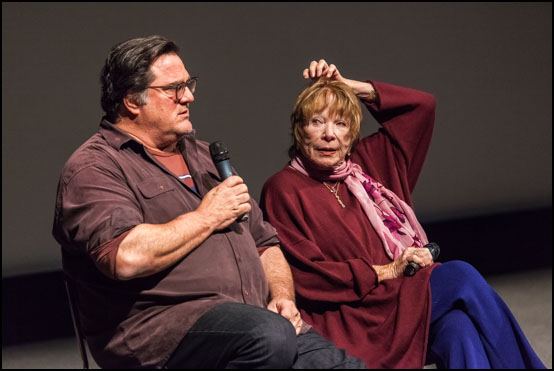 The director Mark Pellington and the actress Shirley MacLaine talking about the movie The Last Word at Sundance Filme Festival